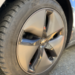 テスラモデル3純正スタッドタイヤ交換