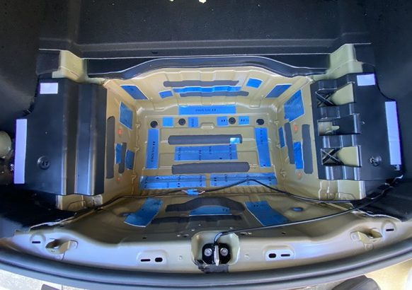 モデル3のデッドニング#2 サブトランク